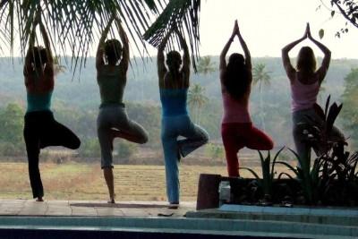 Yoga-in-Marrakech-906x1024